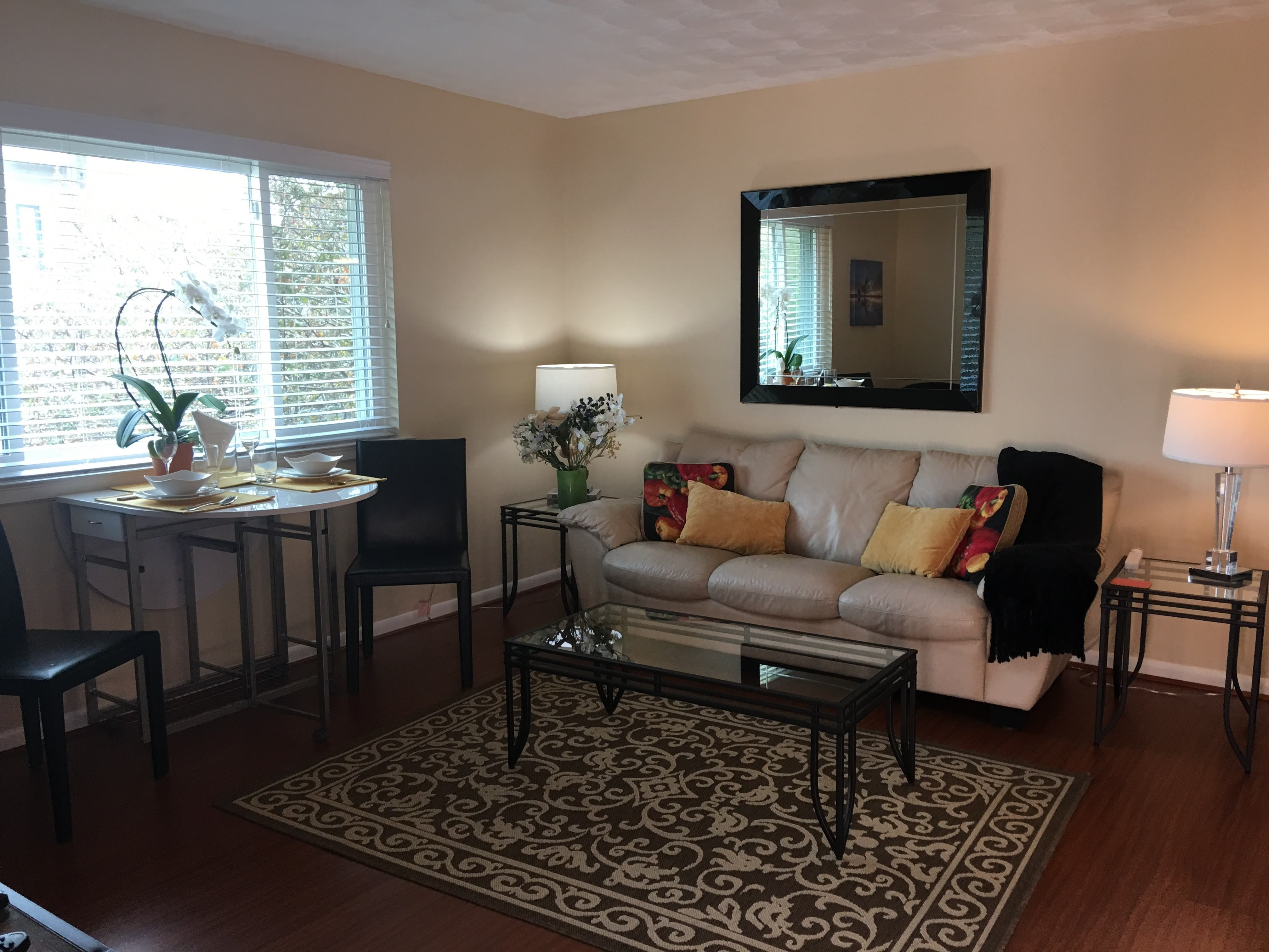 Short-term stay apartments near downtown dallas
